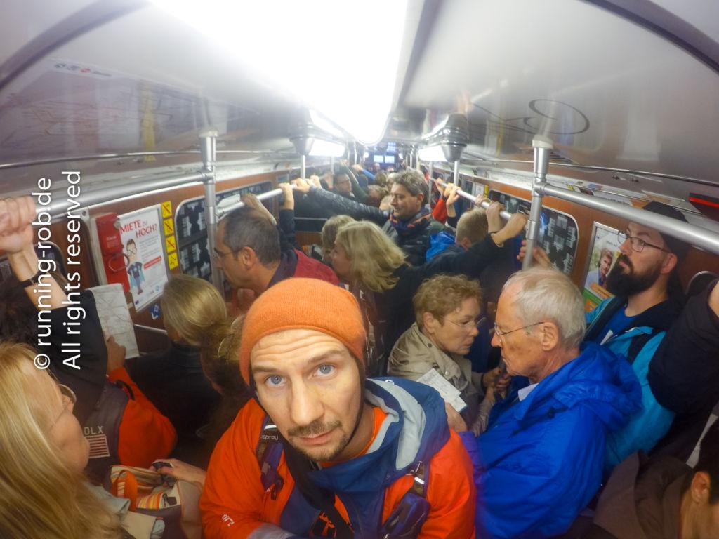 Bahnfahren während des Berlin-Marathon 2017