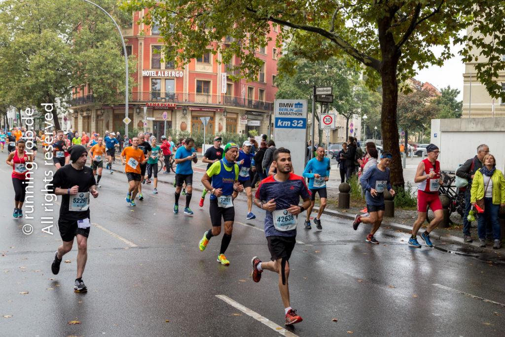 Berlin-Marathon 2017 am Fehrbelliner Platz